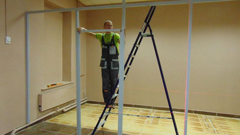 Монтаж офисных перегородок и дверей в Санкт-Петербурге по доступным ценам